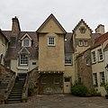 Edinburgh, Canongate, 8, 9 White Horse Close.jpg
