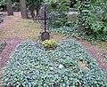 Ehrengrab Potsdamer Chaussee 75 (Niko) Julius Leber.jpg