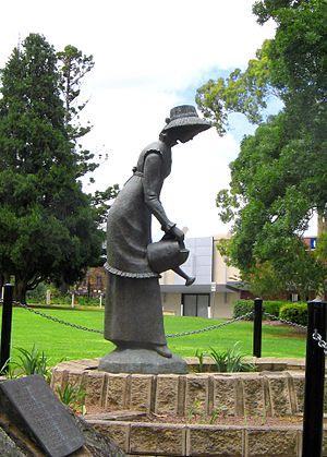 Elizabeth Macquarie - Statue of Elizabeth Macquarie in Mawson Park, Campbelltown, NSW