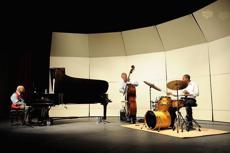 File:Ellis Marsalis Trio (5119173264).jpg