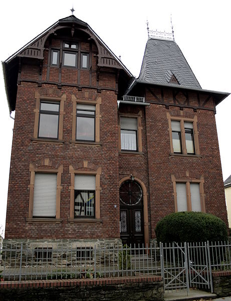 File:Elz Pfarrhaus.JPG