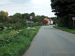 Entering Elsham - geograph.org.uk - 61172.jpg
