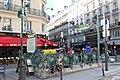 Entrée Métro Quatre Septembre Paris 3.jpg