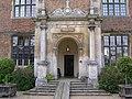 Entrance to Doddington Hall - panoramio.jpg
