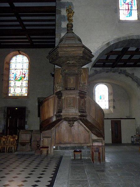 Église Notre-Dame-de-l'Assomption d'Ernée (53). Chaire.