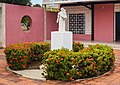 Escultura de San Antonio de Padua.jpg