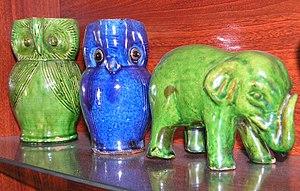 Farnham Pottery - Image: Farnham Pottery, Wrecclesham owls and elephant