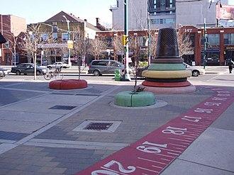 Fashion District, Toronto - Image: Fashion District Artwork