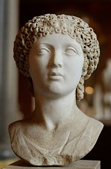 Female portrait Louvre Ma1269.jpg
