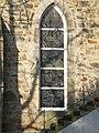 Fenster der Holtenser Kirche.jpg