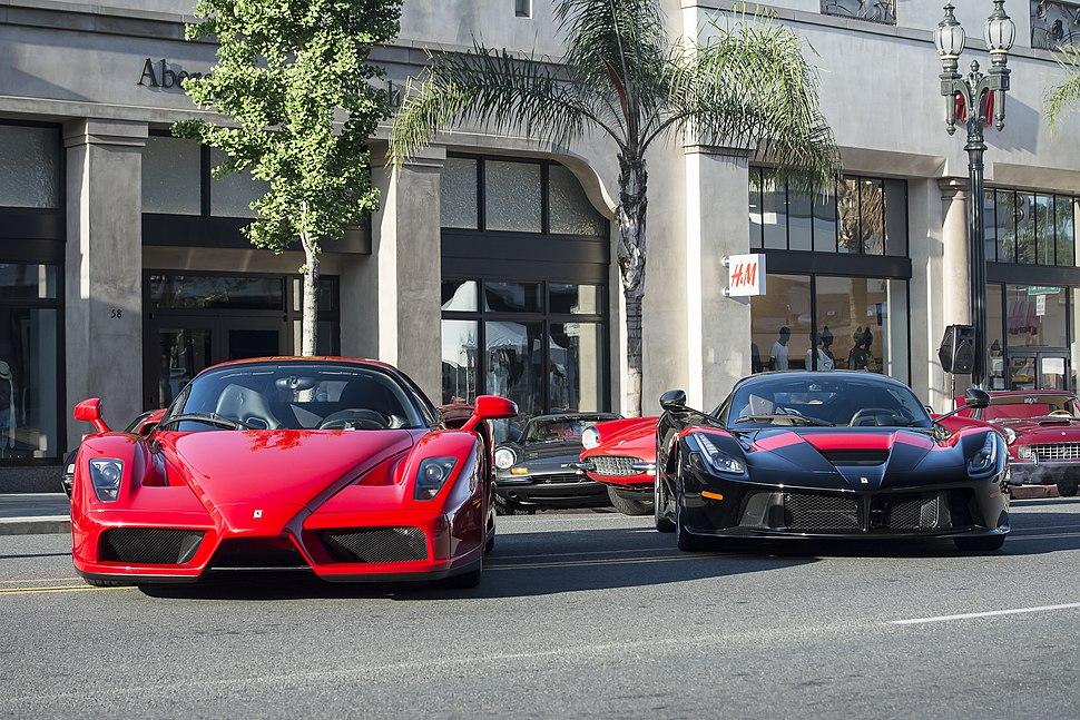 Ferrari Enzo and LaFerrari (17077921627)