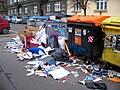 Fibichova, kontejnery na tříděný odpad, bordel kolem.jpg
