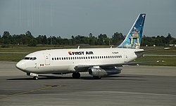 Eine Boeing 737-200 der First Air
