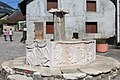 Fontaine Aignoz Ceyzérieu 2.jpg