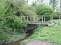 Footbridge at Warfield - geograph.org.uk - 1860393.jpg