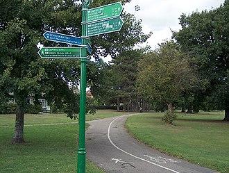 South East London Green Chain - Green Chain Walk signs in Beckenham, Cator Park