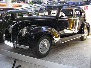 De Luxe Ford - Image: Ford Vairogs V8 front