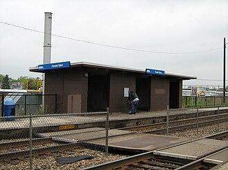 Forest Glen, Chicago - The waiting platform at the Forest Glen station.