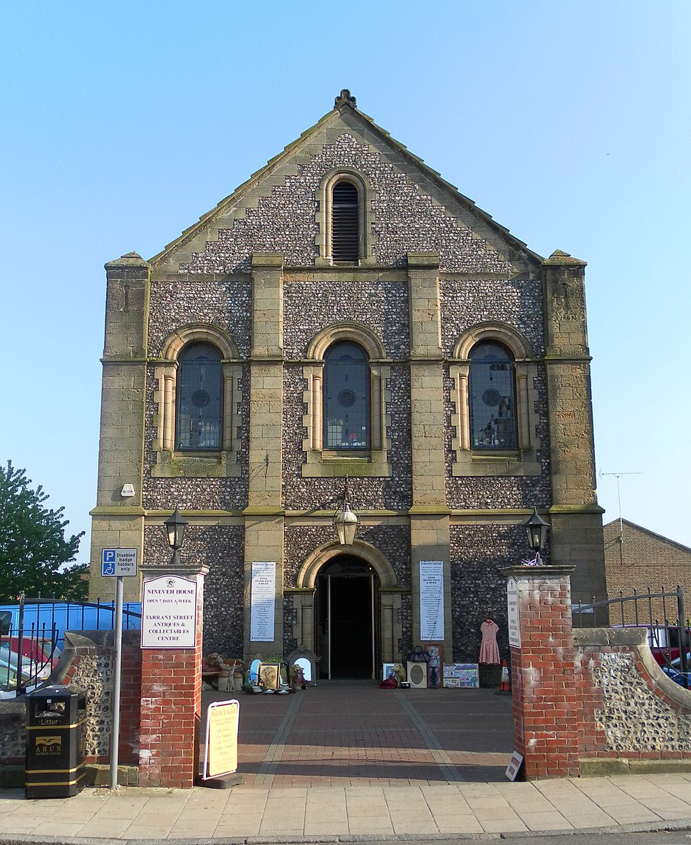 Former Trinity Congregational Chapel (now Nineveh House), Arundel (NHLE Code 1277924)