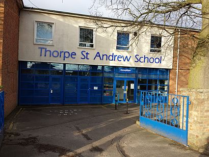 How to get to Thorpe St Andrew School with public transport- About the place