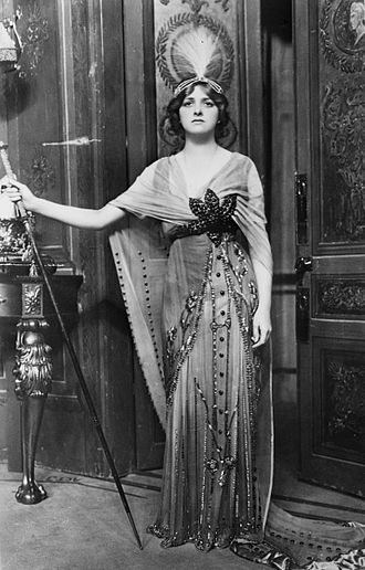 Gladys Cooper - Gladys Cooper in 1913