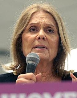 Gloria Steinem (29126367513) (cropped).jpg