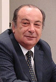 http://upload.wikimedia.org/wikipedia/commons/thumb/a/a6/Gonzalofernandez.jpg/225px-Gonzalofernandez.jpg