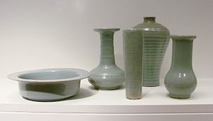 Longquan celadon - Group of 13th-century vessels
