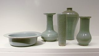 Celadon term for ceramics denoting both wares glazed in the jade green celadon color