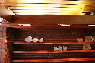 Gregor S. and Elizabeth B. Affleck House - Image: Gregor Affleck House shelves FLW, Architect Bloomfield Hills MI built in 1940 (291332731)