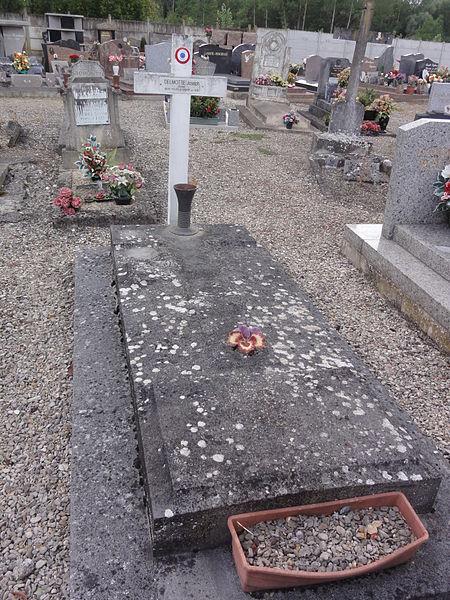 Grugies (Aisne) cimetière, tombe de guerre 1940