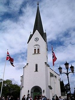 Hamar-church.jpg