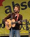 Hans Söllner Anti-Atom-Menschenkette 2011-03-12 cropped.jpg