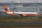 Hapag-Lloyd Boeing 737-8K5 D-ATUF Retrojet c-s (22551238844).jpg