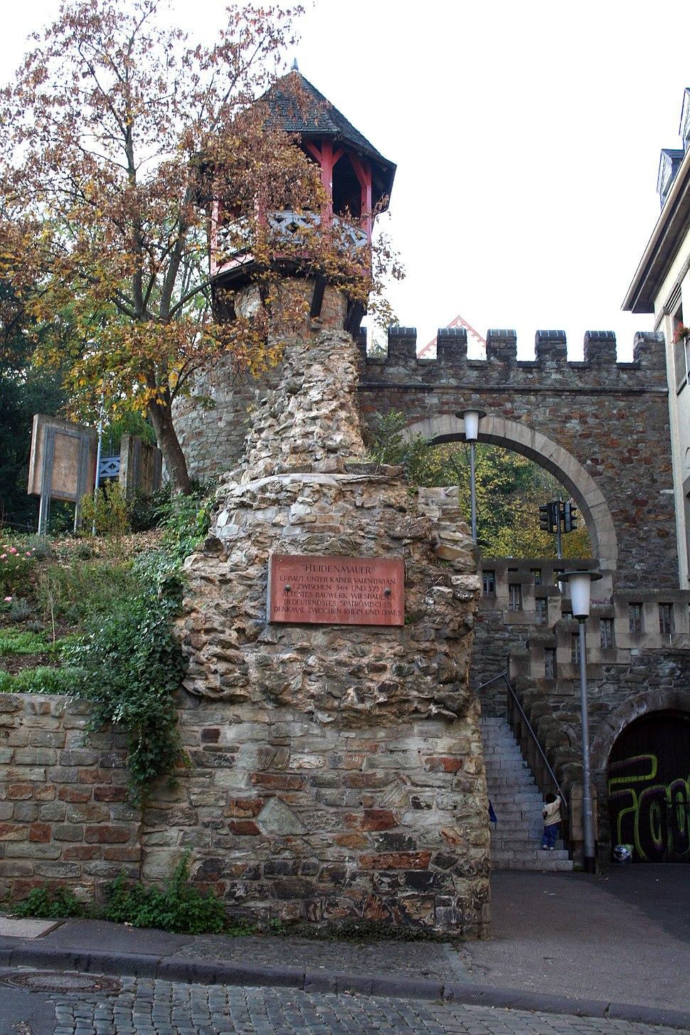 Heidenmauer in Wiesbaden