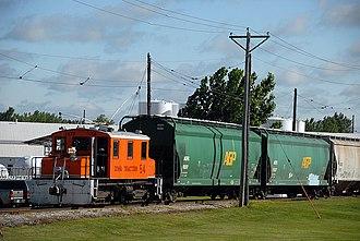Iowa Traction Railway - Image: IATR 54 grain train in Mason City