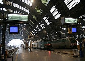 IMG 3034 Binari Stazione centrale di Milano - Foto Giovanni Dall'Orto 1-1-2007.jpg