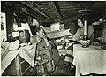 Interieur van het woonbootje van de fam. Koster, NL-HlmNHA 5400464840.JPG