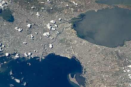 ISS photo of Manila (just left of center) and surrounding cities Iss047e099713 lrg Manila.jpg