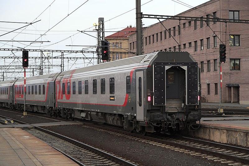 https://upload.wikimedia.org/wikipedia/commons/thumb/a/a6/J22_099_Bf_Prag_Hbf%2C_R%C5%BDD-Schlafwagen.jpg/800px-J22_099_Bf_Prag_Hbf%2C_R%C5%BDD-Schlafwagen.jpg