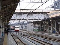 JR West 117 Sun Liner Okayama Station (2409008921).jpg