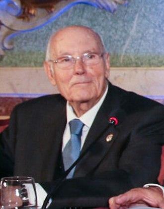 José Manuel Romay Beccaría - Image: José Manuel Romay Beccaría 2015 (cropped)