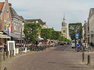 De Fryske Marren - Image: Joure, straatzicht met kerk foto 4 2011 04 26 17.19