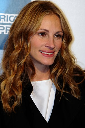Julia Roberts attending the premiere of Jesus ...