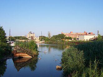 Kinnickinnic River (Milwaukee River tributary) - Debris in the Kinnickinnic.