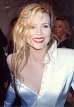 Photo of Kim Basinger at the 62nd Academy Awards in 1990.