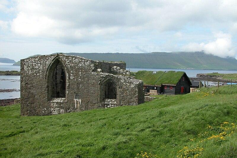 Fil:Kirkjubøur, Faroe Islands.JPG