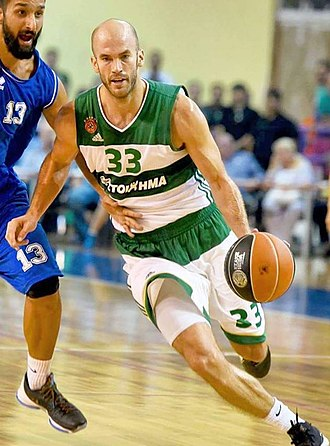 Nick Calathes - Calathes in a Greek League game against Kymis.