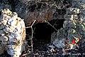 La cueva «de los maquis» sigue siendo la protagonista de la huerta del Belloto - panoramio.jpg