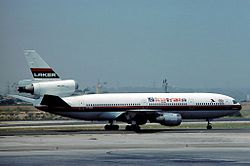 Eine McDonnell Douglas DC-10 der Laker Airways